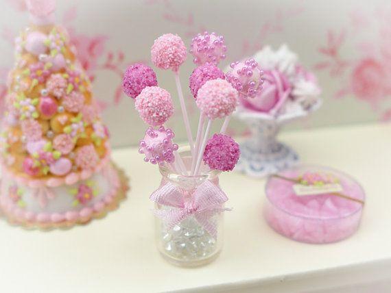 Gâteau rose pop - Handmade Miniature Food à l'échelle 12