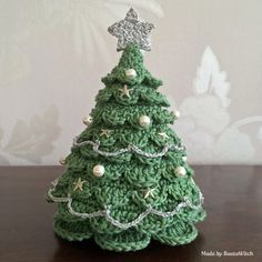 DIY Crocheted Christmas Tree - FREE Crochet Pattern / Tutorial ★•★•Teresa Restegui http://www.pinterest.com/teretegui/★•★•