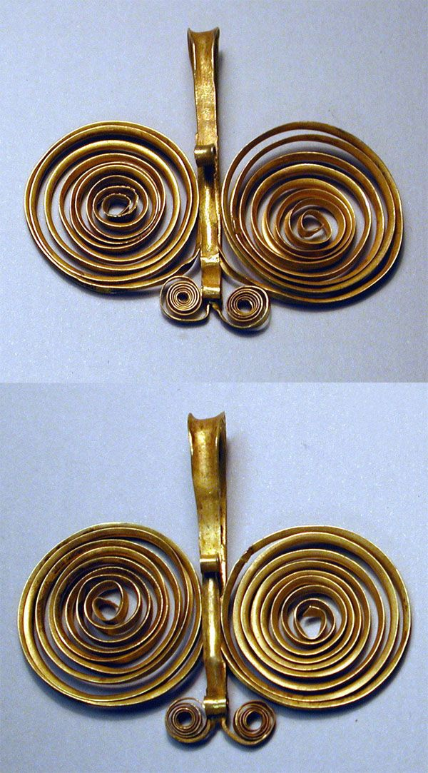 Indonesia ~ Sumatra | Bracelet from the Nias people | Gold alloy | 19th to early 20th century