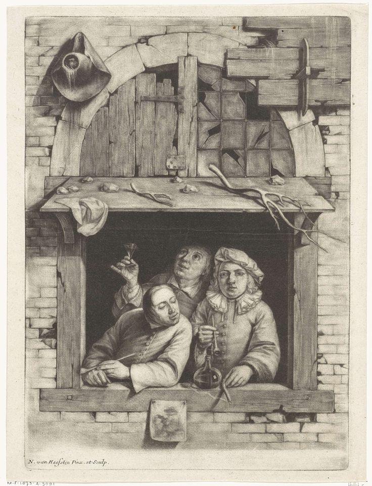 Nicolaes van Haeften | Drie rokers in een venster, Nicolaes van Haeften, 1673 - 1715 | Drie drinkende en rokende mannen staan achter een open raam. Op het afdak boven het raam liggen stenen en takken of stukken van een gewei. Aan de buitenkant van het venster hangen een hoed en een afbeelding.
