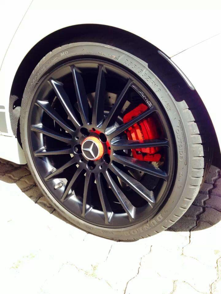 Dunlop-shod Mercedes AMG