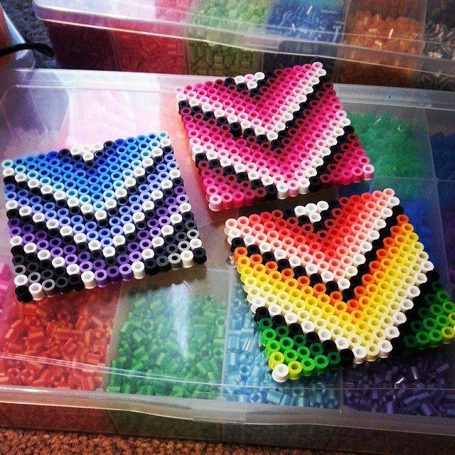Coaster Set in Chevron perler beads by chikabamxx (Sara)