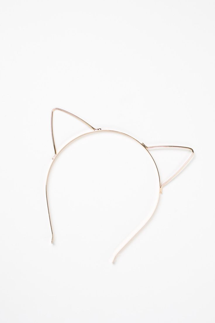 Don't want to spend too much on a Halloween costume, but still want to look cute? Look no further than our Ariana GOLD Cat Ears! Wear it with a sexy black lace dress or go for an innocent look and wea