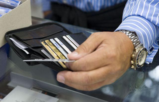 Πού θα πληρώνουμε με κάρτες - Το σχέδιο για αφορολόγητο, επιχειρήσεις, ποινές
