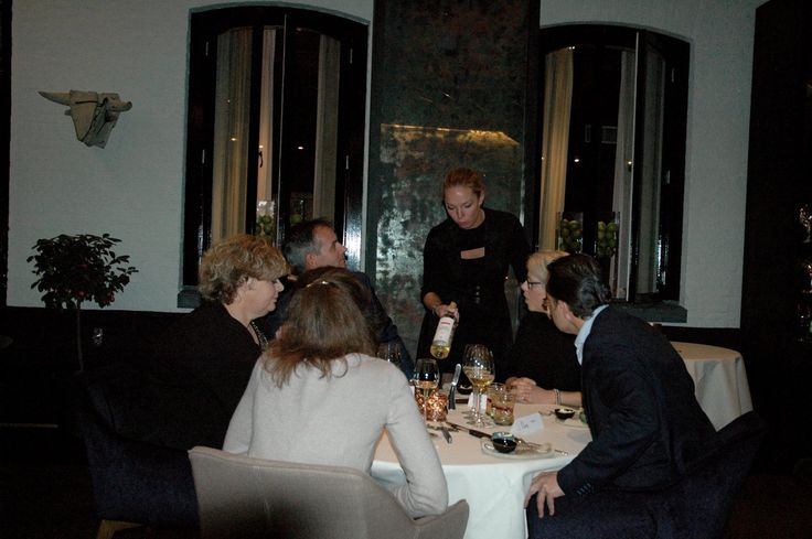 Monday November 9: 18:00 hours, Librije time for QL's Hoteliers, invited by Koninklijke Auping bv. Jonnie and Thèrése Boer from De Librije were perfect hosts. Great food, great wines, good ambiance, a perfect evening!