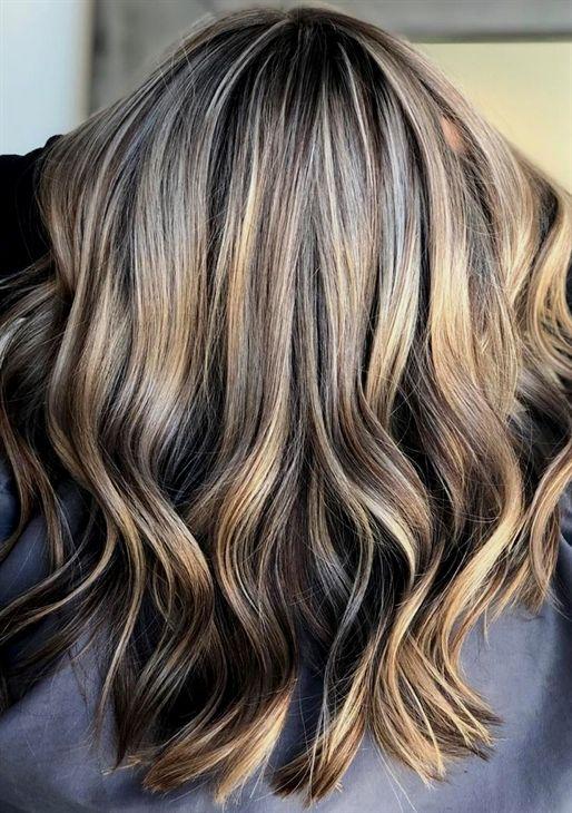 Mushroom Blonde ist der #Frisuren Trend 2019 und die perfekte Farbe für blonde und braune Haare. Wir zeigen Bilder der Pilz-Farbe! #haare #2018 #frauen #frisuren #frisurentrend #pony #bob #Frisurentrend #mittellanges #kurze #haar #mittellang #friseur