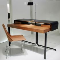 writing desk for hotel rooms SPLIT by Meike Russler Ligne Roset Contracts