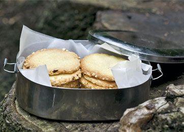 Småkager med nødder - Bagværk - Opskrifter - Søndag