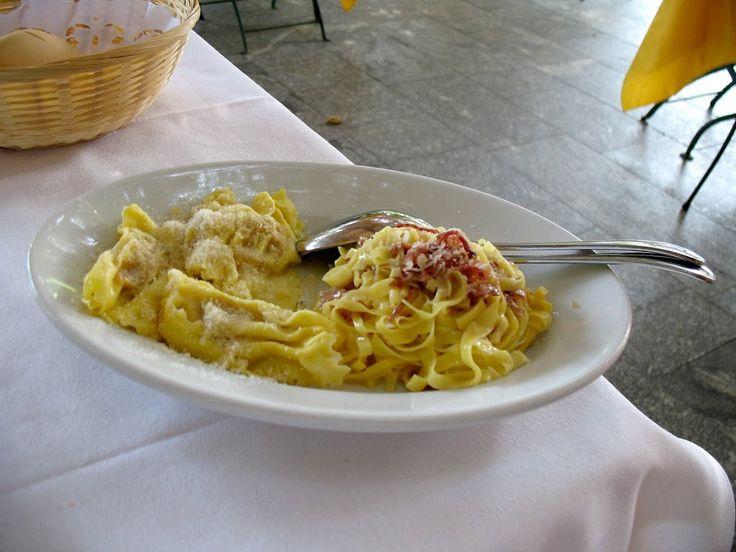 Trattoria La Buca, Zimbello. Tagliatelle con culatello (right), tortelli di zucca (left).