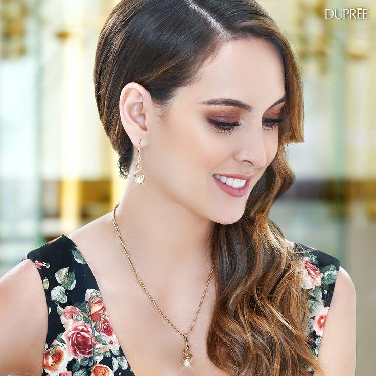 Collar y aretes dorado con perlas. Mujer Duprée #accesorios