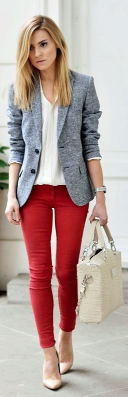 Casual Looks Outfits For Business Women Ideas 41