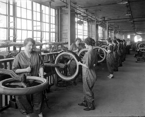 Women in a Detroit car factory