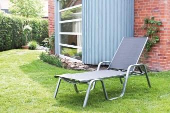 Sonnenstunden genießen auf der hochwertigen Kettler Liege Basic Plus mit verstellbarer Rückenlehne.