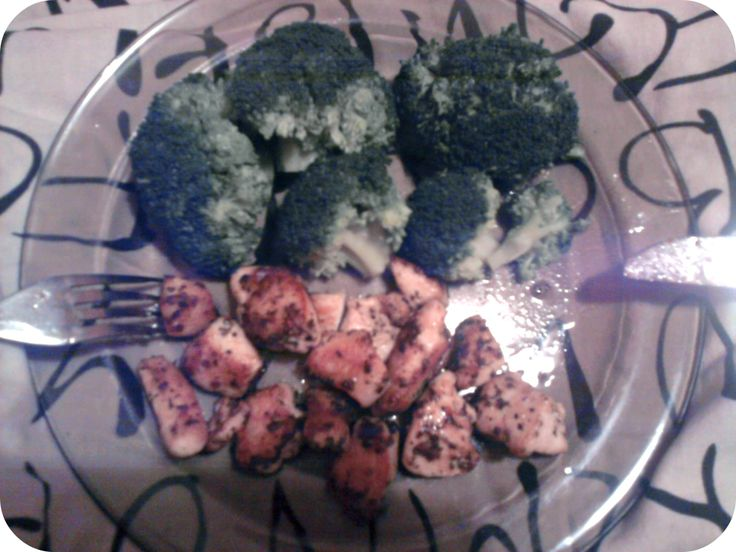 #broccoli #chicken #soy #sauce #garlic #basil #ginger