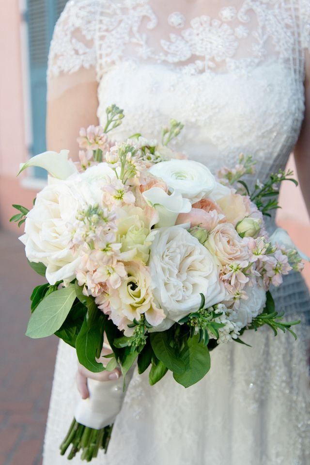 Blush, peach, and white bridal bouquet | Arte De Vie | see more on: http://burnettsboards.com/2016/02/orleans-mansion-wedding/