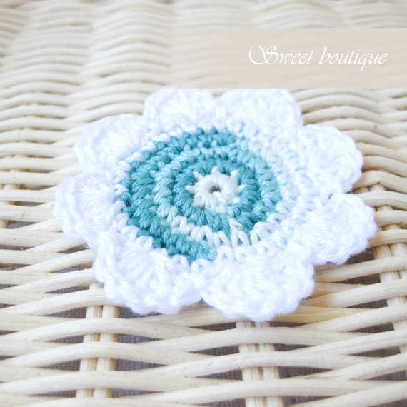 Crochet flower appliques  Set of 5  for by MSweetboutique on Etsy, $7.00