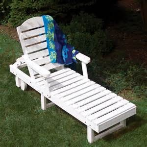 Wooden beach lounge chair plans woodworking projects plans for Chaise adirondack plan
