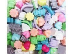 http://www.partij-specialist.nl/ Mixpartij 50 stuks; hartjes, blokjes, robotjes, hakschoentjes, waaiers, tasjes enz  De zeepjes zijn klein en zeer geschikt als attentie voor uw klanten of leuk om samen met uw visitekaatje te verpakken ter promotie van uw bedrijf