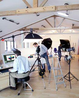 Milton Keynes studio hire - http://www.miltonkeynesstudio.com