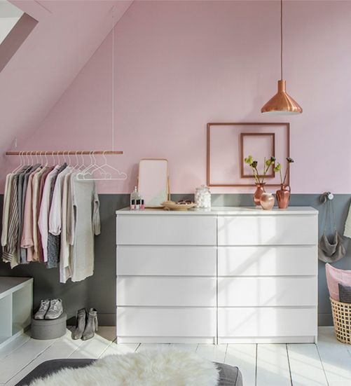 Schuin dak-oplossing: walk-in-closet