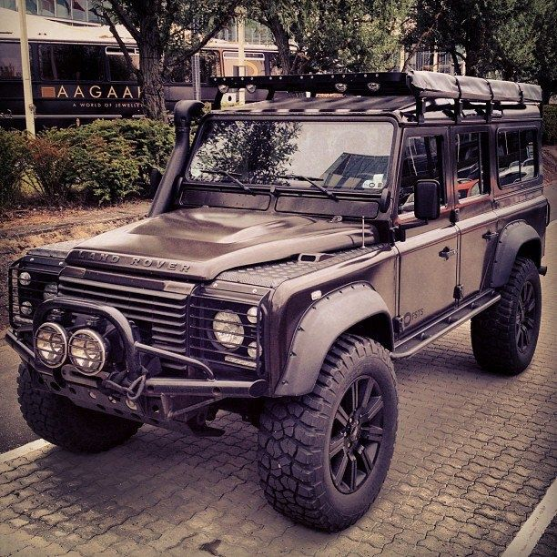 #Defender -Land Rover