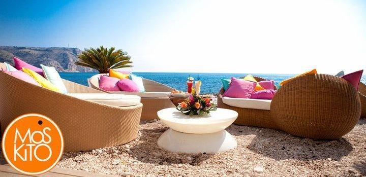 wonderful beach bar Moskito in Javea