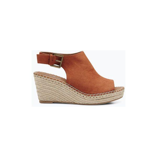 Ellos Shoes Sandal med rebflet på kilehæl (3,975 INR) ❤ liked on Polyvore featuring shoes and sandals