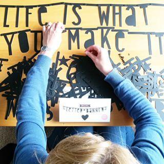 #Wordbanner #tip: Life is what you make it - Buy it at www.vanmariel.nl - € 11,95