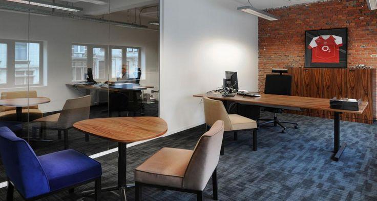 Individual office into Jaguar Land Rover's premises in Anvers, Belgium