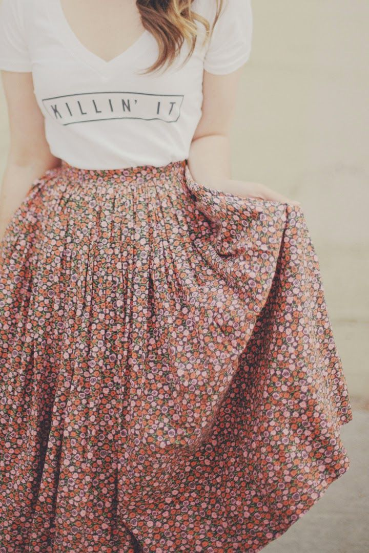 Tshirt with high waisted skirt--good combo, but I'm not crazy about the waistline. Elastic is okay, but not like this.