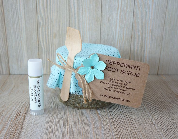 Peppermint gift set, peppermint gift, peppermint foot scrub & peppermint lip balm, bridesmaid gift, gift for her, gifts set for her by MartaGDesigns on Etsy