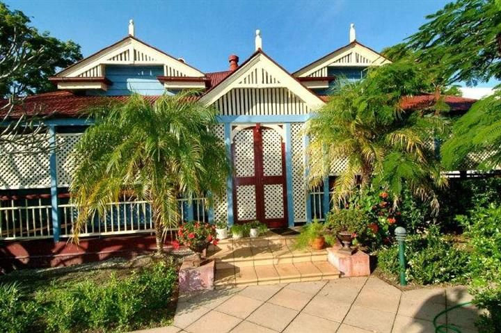 88 best images about queensland architecture on pinterest for Classic queenslander house