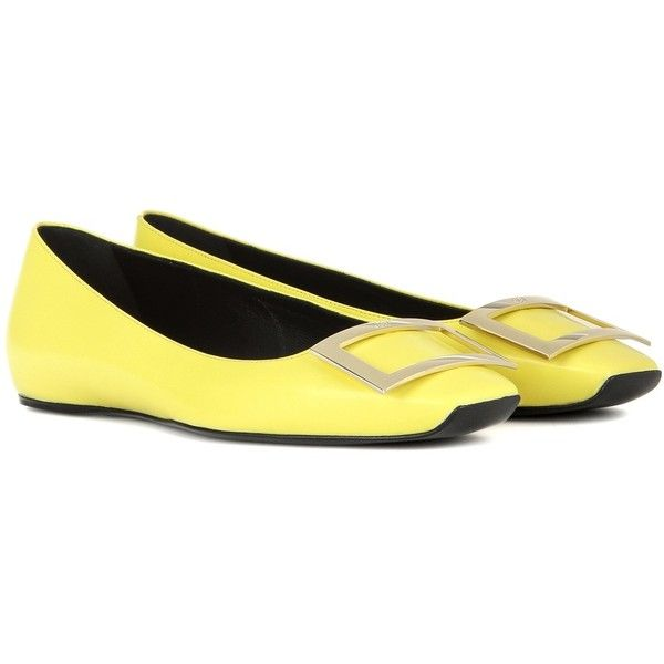 Roger Vivier Trompette Leather Ballerinas ($635) ❤ liked on Polyvore featuring shoes, flats, yellow, leather shoes, yellow ballet flats, genuine leather shoes, leather ballerina flats and yellow shoes