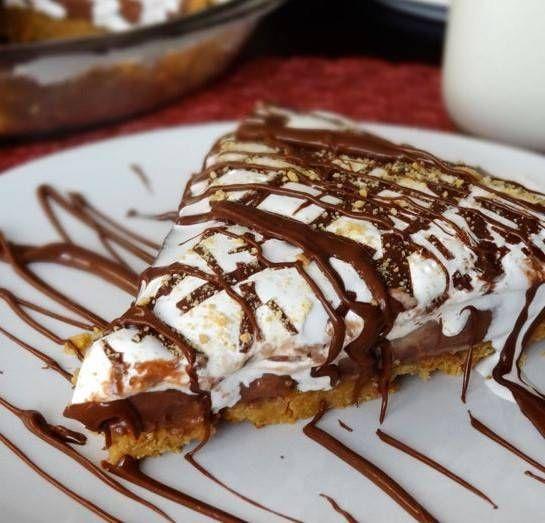 Che ne pensate di questo dolce semplice ma al tempo stesso golosissimo? La torta Nutella e mascarpone, pronta in soli 10 minuti!! Deliziosa!!