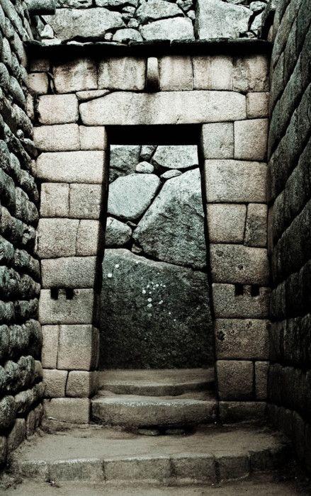 Doorway at Machu Picchu: Doors Stairways Windows, Pichu Doorway, Stones Gates Entrance, Machu Pichu Photography, Doorway Stonework, Machu Picchu, Picchu Doorway, Doors Knobs Windows, Man Caves