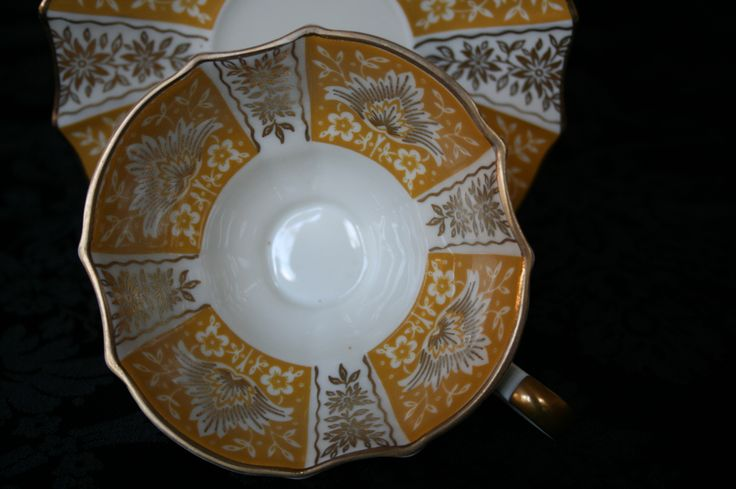 Alka - Ochre - Germany / Very old distinguished kind of porcelain / www.oseasoudservies.nl