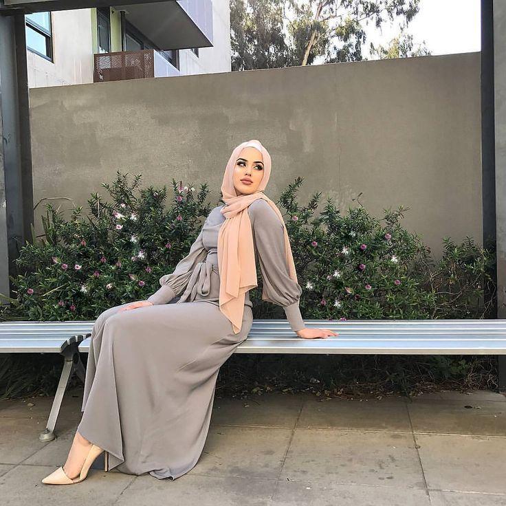"2,722 Likes, 5 Comments - Hijab Fashion Inspiration (@hijab_fashioninspiration) on Instagram: ""@sabrinemaghnie"""