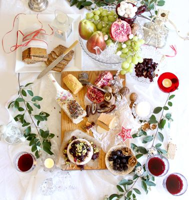 A gorgeous vegan cheese platter for Christmas! With home made brie, pepper and cheddar cheese and sides of cranberry relish, olives, dates, walnuts, fruit and seed n nut bread. Who said eating vegan was boring?
