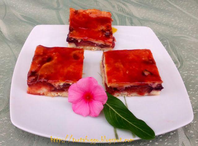 Tortafüggő Marisz: Szilvás túrós sütemény Liszt nélküli egyszerű nagyon finom süti.