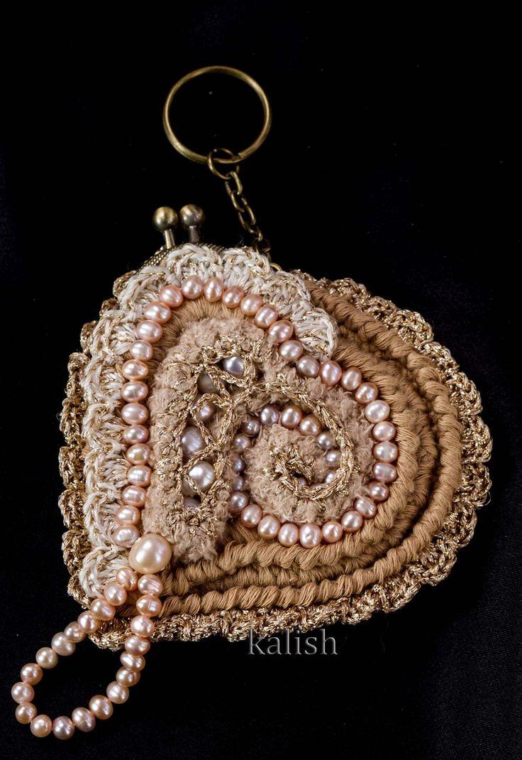 Коллекция `Perola Barroca` Ароматница - брелок ` розовый Аммонит `  Дизайн - студия `KALISH`