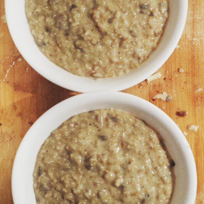Recette de Risotto d'avoine aux champignons et cheddar vieilli - #recette #recipe #risotto #avoine #oat #sanssucre #sugarfree #aucunsucre #nosugar #confortfood #reconfortant
