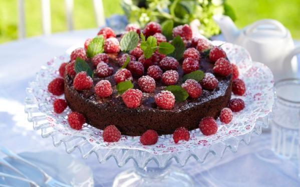 Oppskrift på sjokoladekake med bringebær, foto: Synøve Dreyer