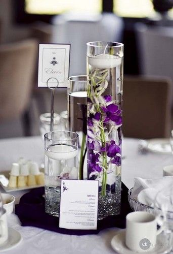 Subtil and delicate previous pinner: http://www.mariage-original.com/img/violet/centre-de-table-mariage-violet.jpg