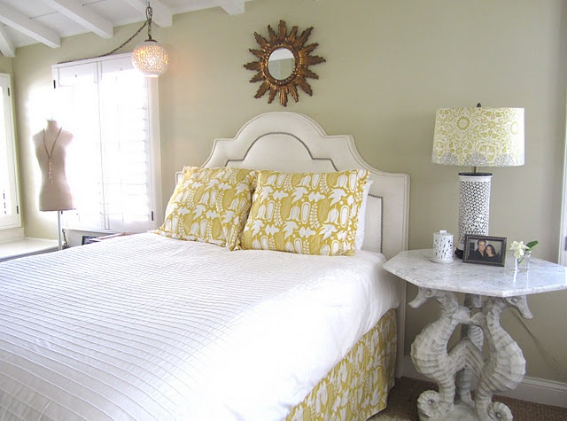 easy: Wall Colors, Home Tours, Colors Combos, Yellow Bedrooms, Paintings Colors, Fabulous Decor, French Cottages, California French, Cottages Home