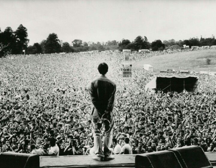 Possibly one of my favourite images of the band. I feel it shows the impact the band had on people, how they changed music, influenced bands and changed the likes of britpop.