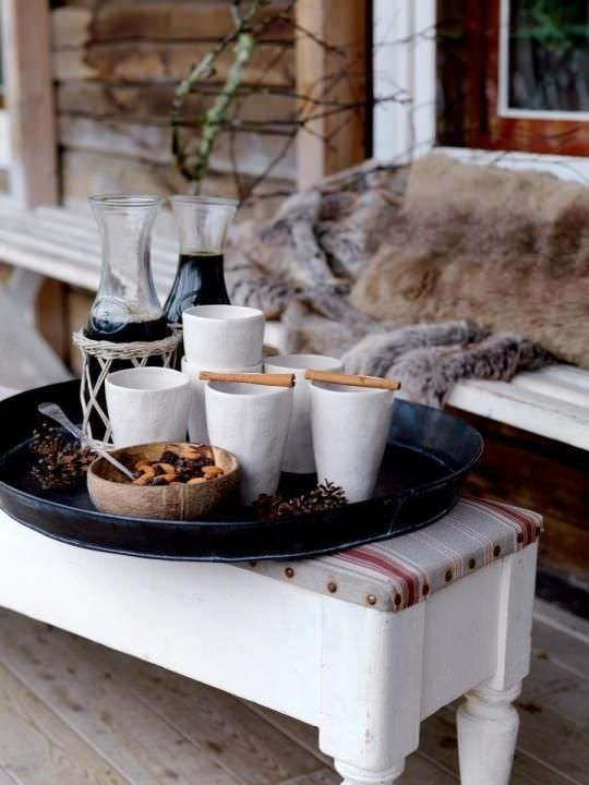 Hygge, 7 conseils pour un décoration bonheur , cosy, cocoon et chaleureuse  moment gourmand cafe chocolat chaud cadelle cuisine déco inspiration tendances douceur softness table déco interior design