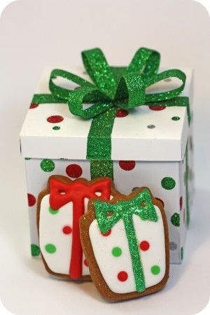 28 best Decorated Christmas box images on Pinterest | Christmas ...