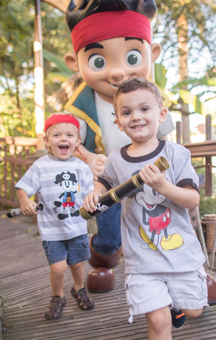 the disney world adventure Disney family game night the best disney cupcakes the ultimate disney pizza party let's bake cookies all #disneyweekend.