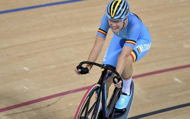 Jolien D'Hoore vice-championne d'Europe de la course aux points, et Nicky Degrendele vice-championne d'Europe de keirin (vidéo) -                  Les Belges enchaînent les médailles sur les championnats d'Europe de cyclisme sur piste, disputés cette semaine sur le vélodrome français de Saint-Quentin-en-Yvelines.  http://si.rosselcdn.net/sites/default/files/imagecache/flowpublish_preset/2016/10/22/1080385144_B9710037858Z.1_201610
