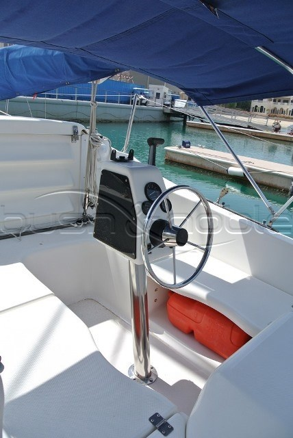 Power Boats For Sale >> Macgregor 26 Helm   Yacht for sale, Sailboat, Boat stuff